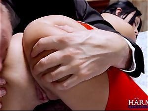 Anissa Kate up her bootie