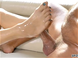Spizoo - Savana Styles gets a adorable screw by a humungous shaft
