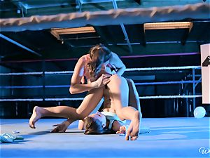 strong vulva tonguing in boxing ring