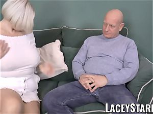 LACEYSTARR - buxom GILF negotiates a good honeypot deal