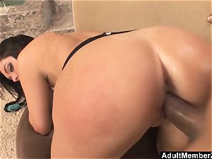 Alyssa Dior Has Got An booty For Days