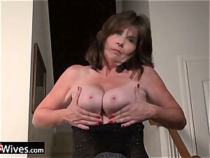 USAWives mature damsel Jade solo getting off