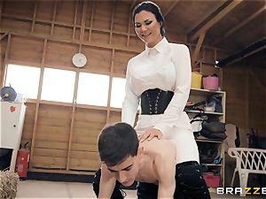 stable fellow heads hard in Jasmine Jae