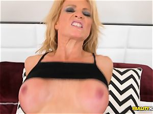 blondie sporty mummy Amanda Verhooks fuckbox porked