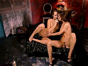 Sonia, Suzie and Eufrat engaging in a 3some
