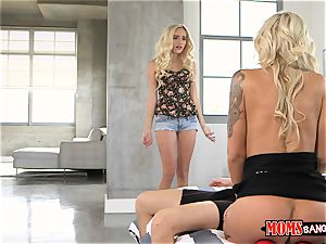 Nina Elle coochie slurps Naomi woods with the hotwife boyfriend