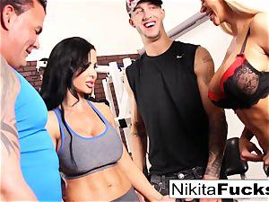 Nikita Von James joins a exercise hookup