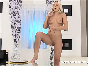Dido angel crams her glass with urinate