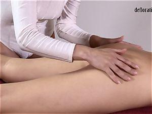 honeypot of Nikita massaged in a g/g massage