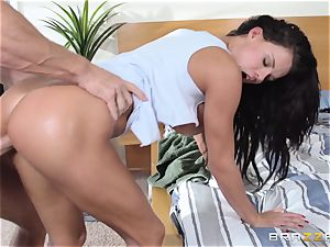Frustrated Peta Jensen gets the bang she wishes