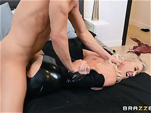 Brandi love torn up in her humid cooter