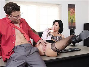 squirting dark haired Veronica Avluv puss jammed and fisted