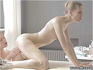 mushy massage splashes fire between her legs