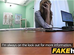 faux polyclinic Patient gives fellatio before being pulverized