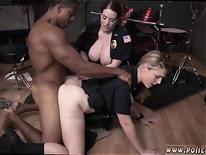 fledgling mummy glasses wet flick takes hold of cop banging a deadbeat daddy.