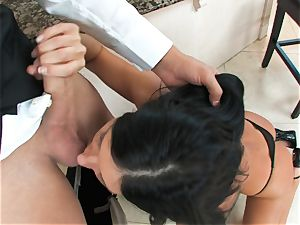 India Summers, dark-haired bare super-bitch, takes big salami on her lips in suck off