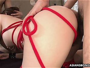 splashing chinese is bound up and used in a threeway