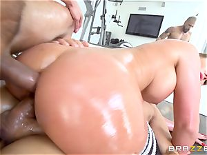 Oily Phoenix Marie gagged and dual pulverized cutie