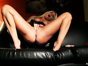 huge-boobed Britney wanks on the couch