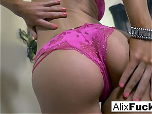 Alix Lynx makes sure she is satiated
