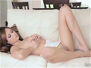 cute Ariana Marie has tasty fuckbox fun
