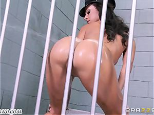 buttfuck porn orgy 3 way with two guards in jail