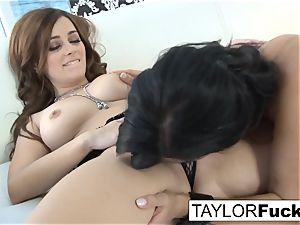Taylor Vixen penetrates Jelena Jensen