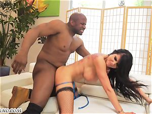 Luxury slut with a huge bootie wants her porking holes by black man