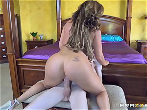 Mature sweethearts Phoenix Marie and Julia Ann riding stiffy