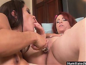 mummies Francesca and Kylie hunger for each others cooch